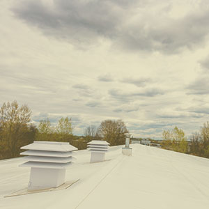 Commercial TPO membrane roofing for A30 by couvreur Dubuc